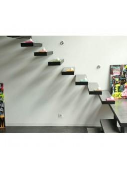 Marches d'escalier rénovées en béton ciré DIY