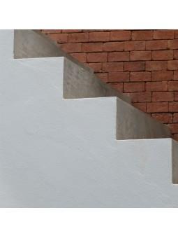 Escalier design enduit d'un Béton Ciré blanc