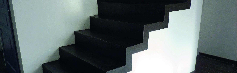 escalier en béton ciré décoratif couleur gris